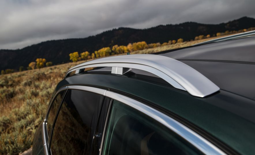 2017 Audi A4 Allroad - Slide 24