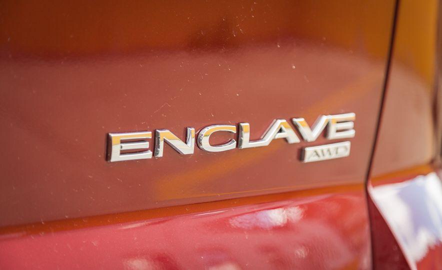2017 Buick Enclave - Slide 24