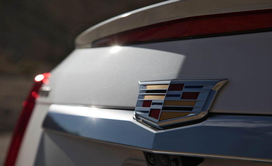 2017 Cadillac CTS V-Sport - Slide 6