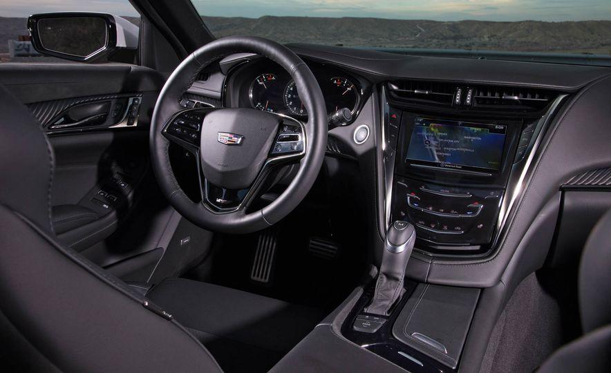 2017 Cadillac CTS V-Sport - Slide 7