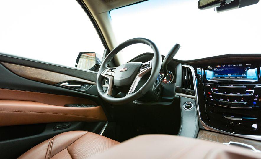 2017 Cadillac Escalade - Slide 18