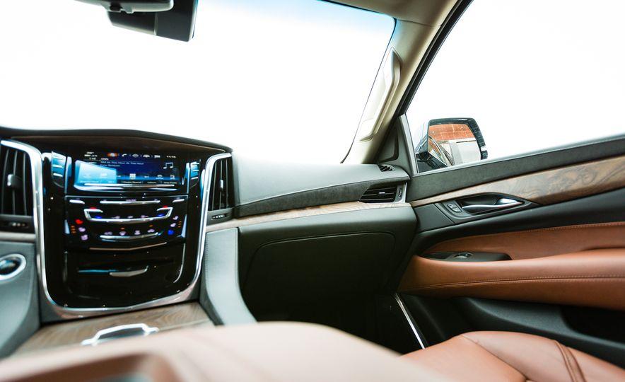 2017 Cadillac Escalade - Slide 20