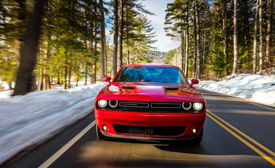 2017 Dodge Challenger GT AWD - Slide 3