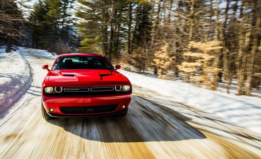 2017 Dodge Challenger GT AWD - Slide 4