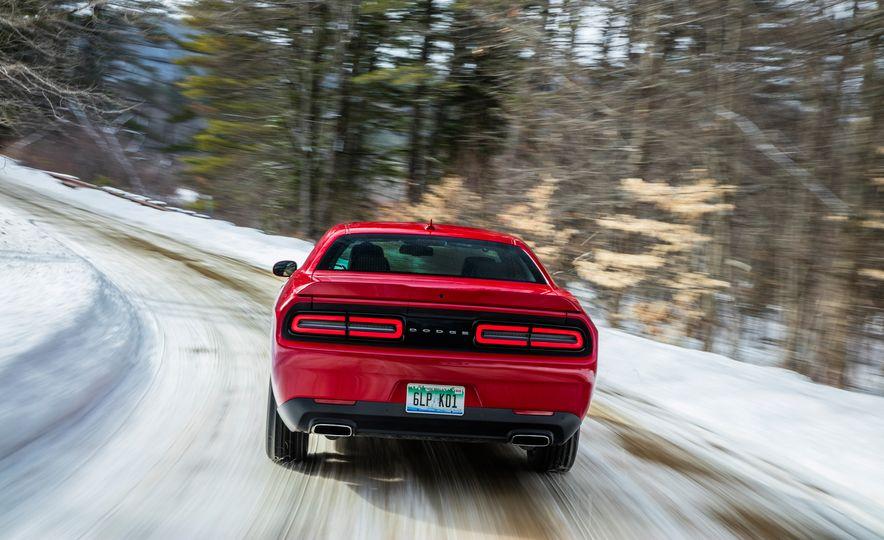 2017 Dodge Challenger GT AWD - Slide 7