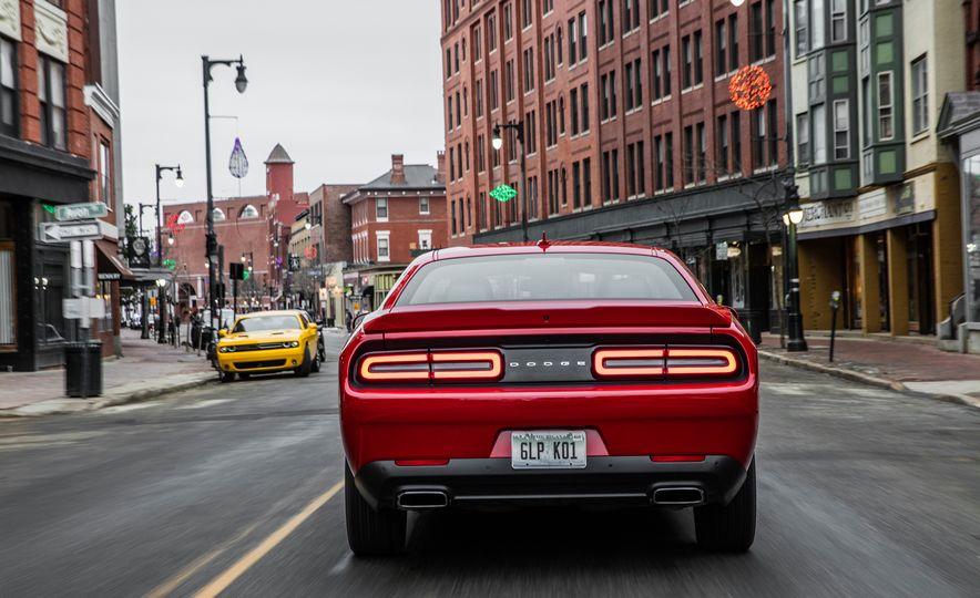 2017 Dodge Challenger GT AWD - Slide 10