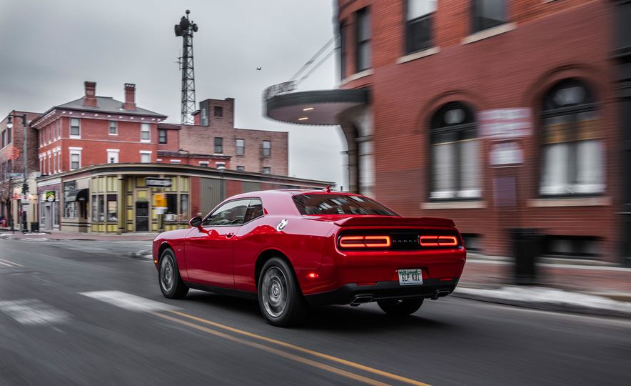 2017 Dodge Challenger GT AWD - Slide 12
