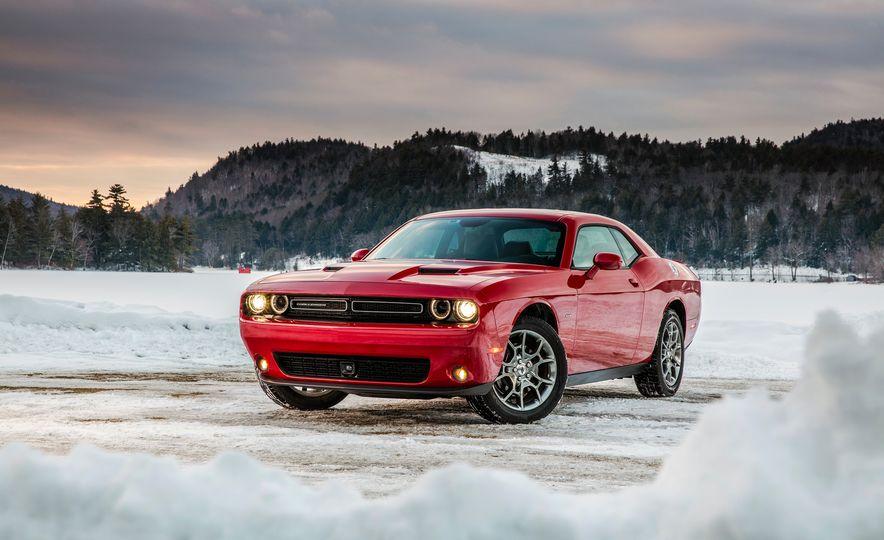 2017 Dodge Challenger GT AWD - Slide 20