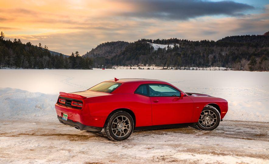 2017 Dodge Challenger GT AWD - Slide 21