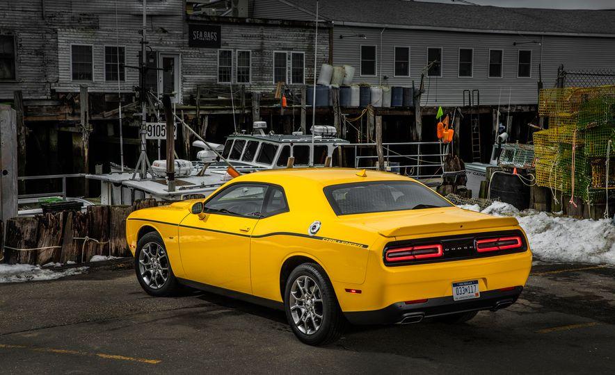 2017 Dodge Challenger GT AWD - Slide 34