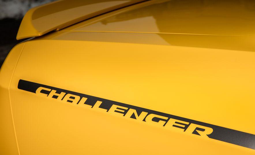 2017 Dodge Challenger GT AWD - Slide 36