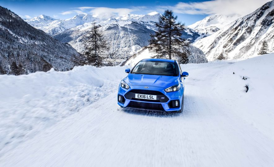 2017 Ford Focus RS with Ford Mountune performance kit - Slide 2