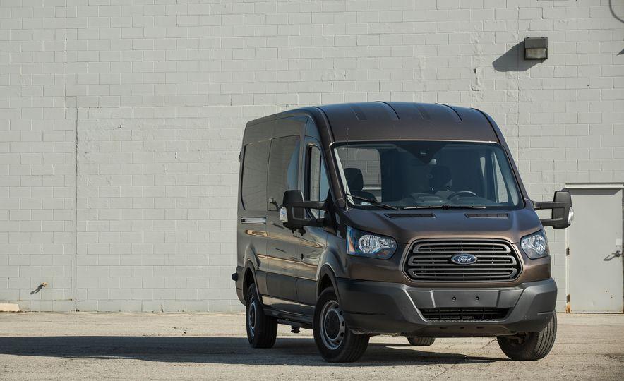 2017 Ford Transit 350 Cargo Mid-Roof - Slide 10