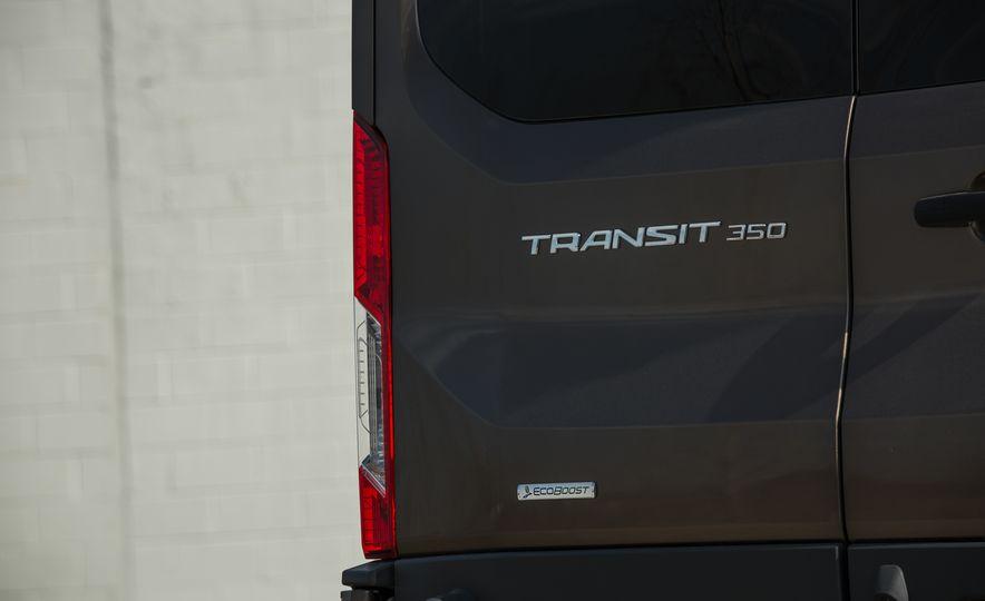 2017 Ford Transit 350 Cargo Mid-Roof - Slide 19