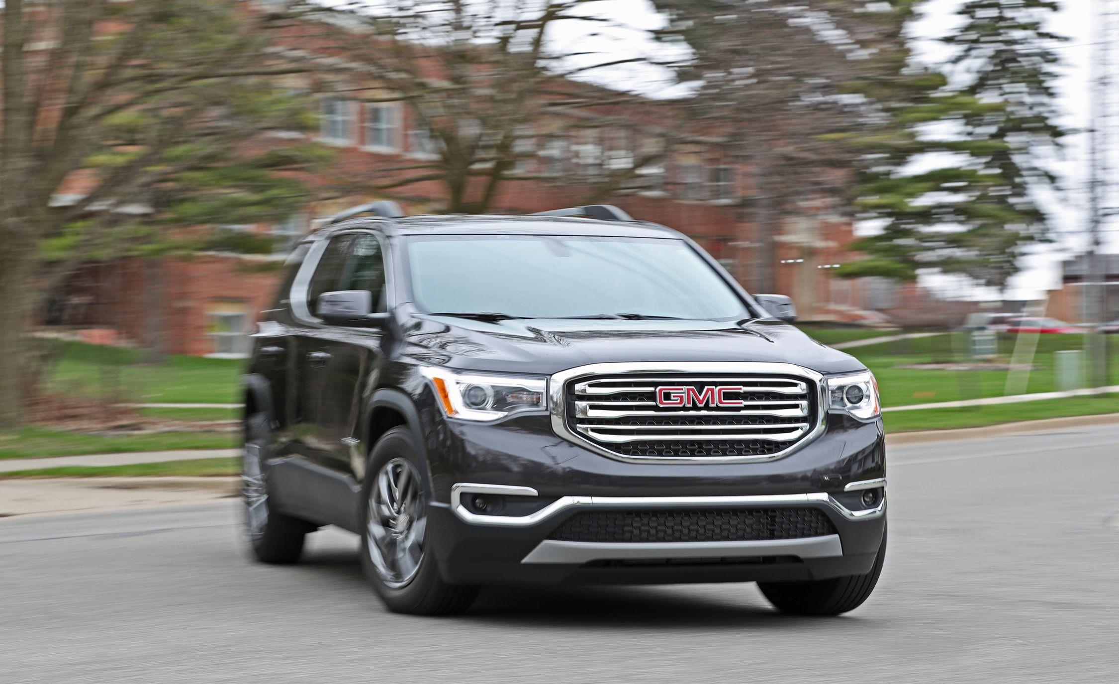 GMC Acadia Reviews | GMC Acadia Price, Photos, and Specs | Car and Driver
