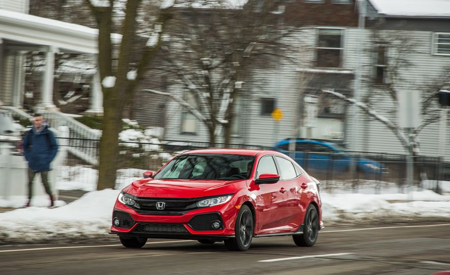 2017 Honda Civic hatchback - Slide 2