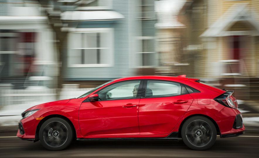 2017 Honda Civic hatchback - Slide 4