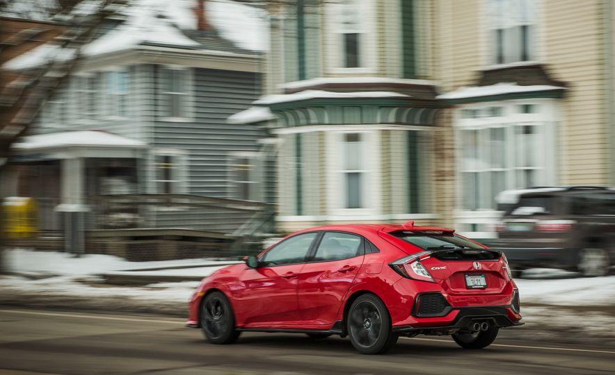2017 Honda Civic hatchback - Slide 6