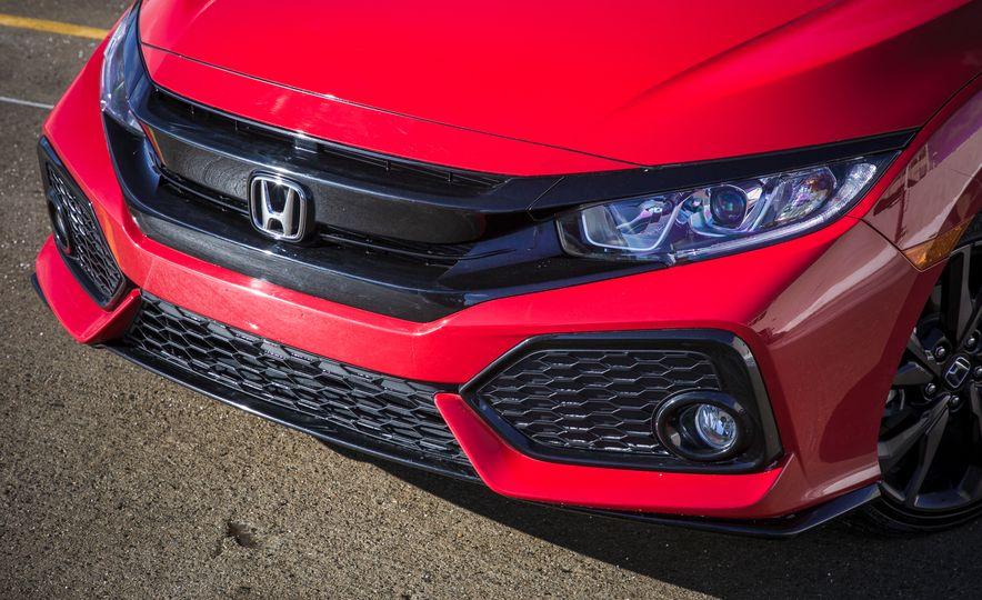 2017 Honda Civic hatchback - Slide 10