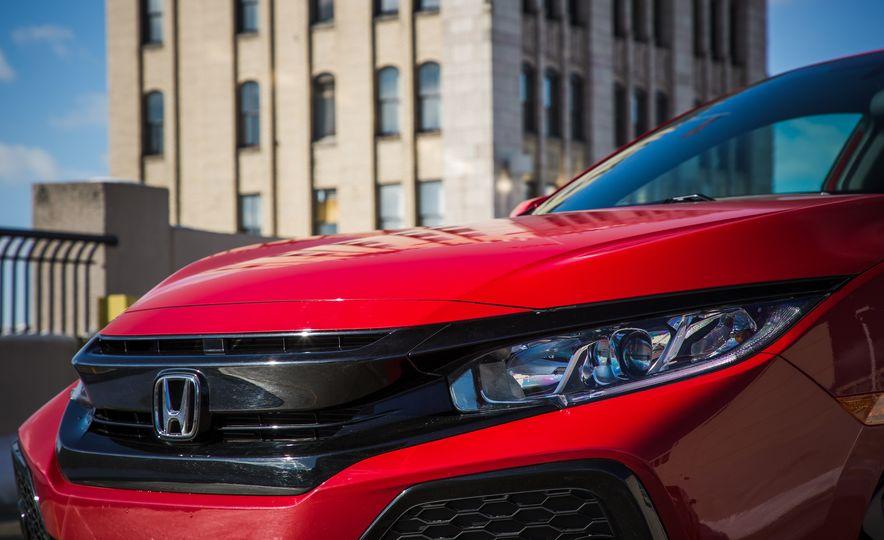 2017 Honda Civic hatchback - Slide 11