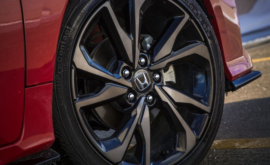 2017 Honda Civic hatchback - Slide 16
