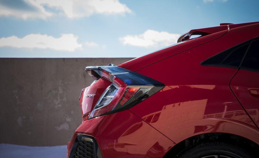2017 Honda Civic hatchback - Slide 17