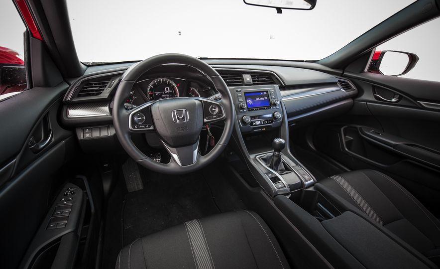2017 Honda Civic hatchback - Slide 22