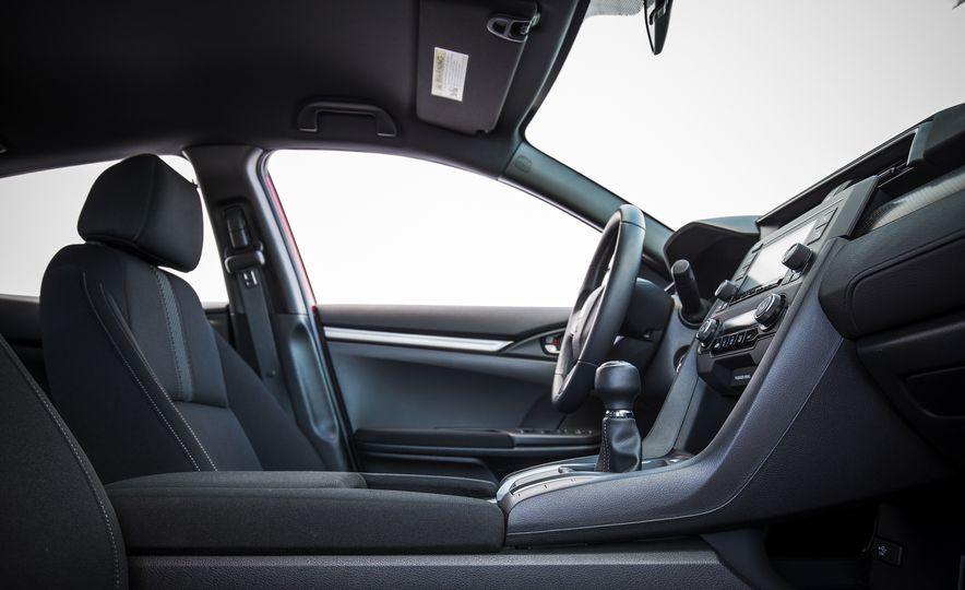 2017 Honda Civic hatchback - Slide 25