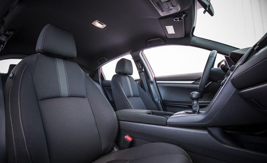 2017 Honda Civic hatchback - Slide 26
