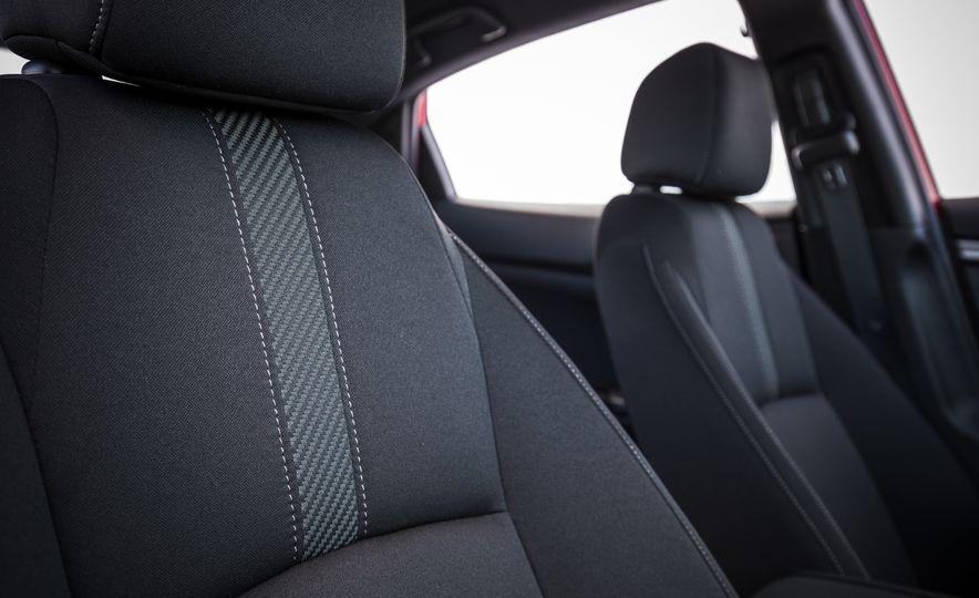 2017 Honda Civic hatchback - Slide 28