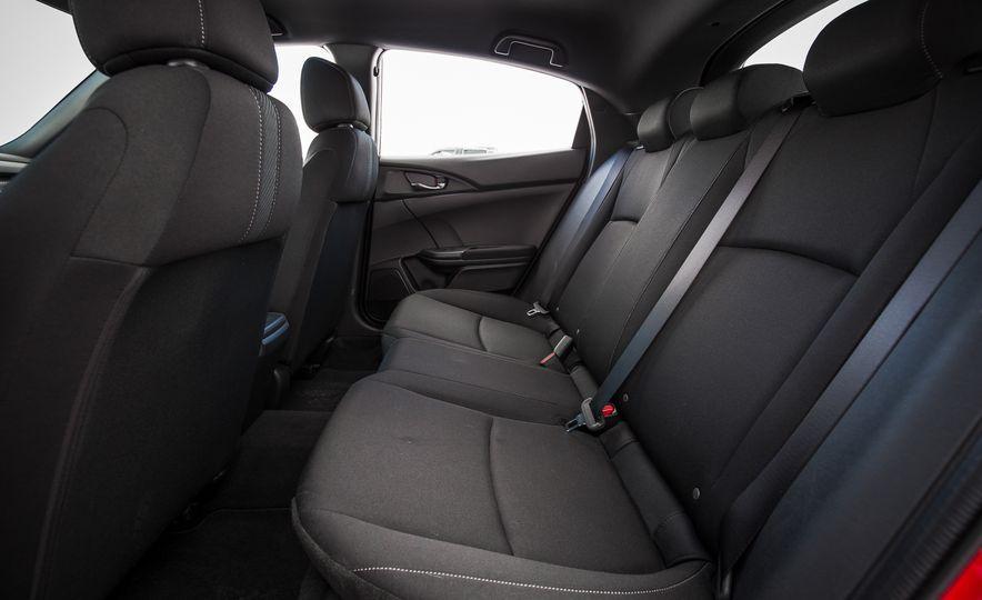 2017 Honda Civic hatchback - Slide 30