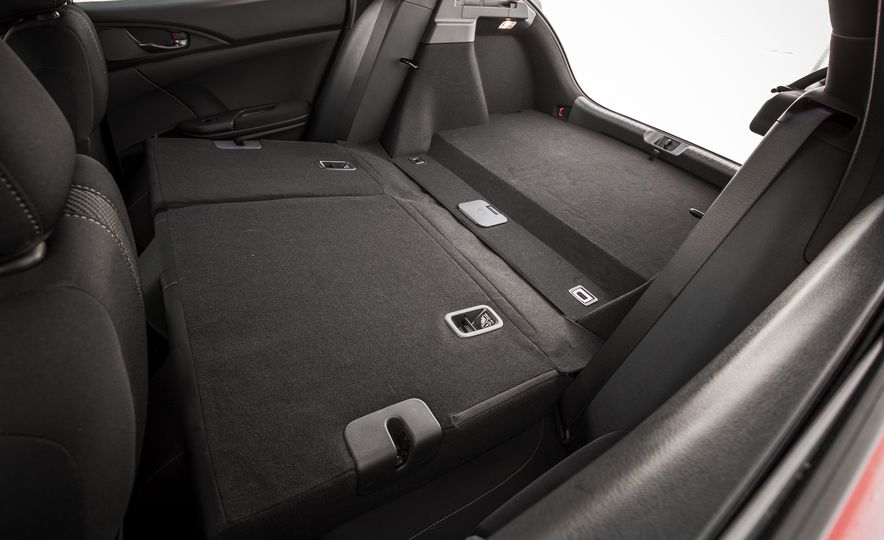 2017 Honda Civic hatchback - Slide 32
