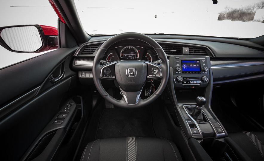 2017 Honda Civic hatchback - Slide 33