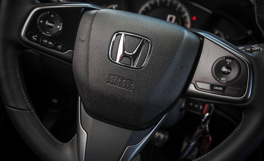 2017 Honda Civic hatchback - Slide 35