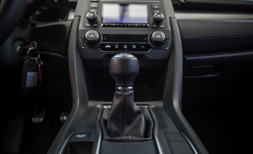 2017 Honda Civic hatchback - Slide 41