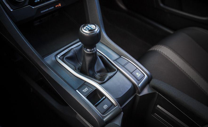 2017 Honda Civic hatchback - Slide 42