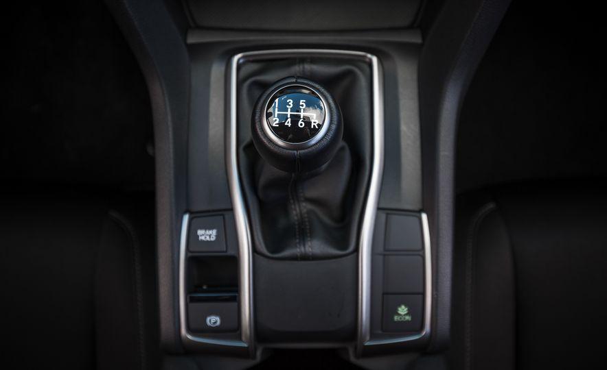 2017 Honda Civic hatchback - Slide 43
