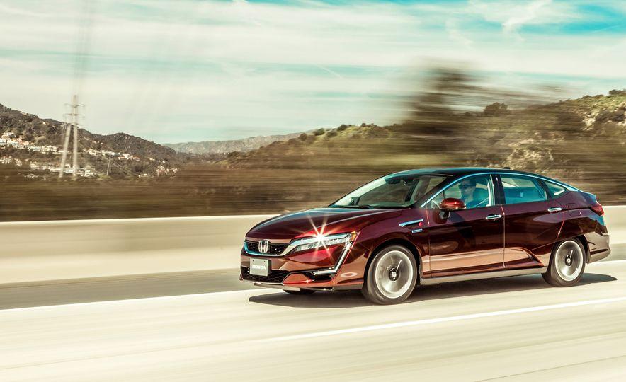 2017 Honda Clarity Fuel Cell - Slide 2