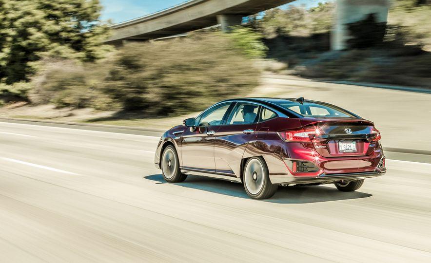 2017 Honda Clarity Fuel Cell - Slide 3
