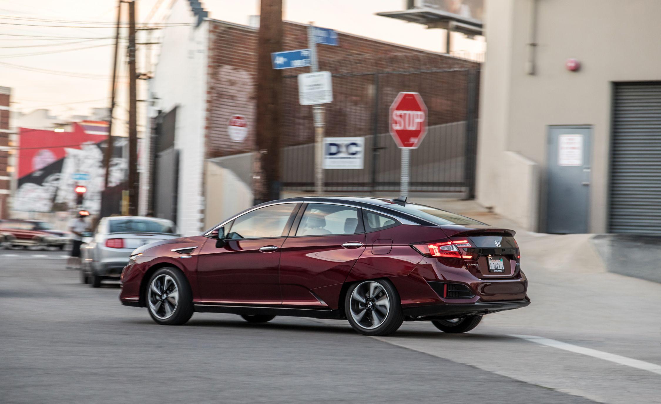 2017 Honda Clarity Fuel Cell Photo Gallery