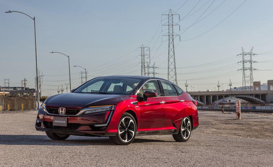 2017 Honda Clarity Fuel Cell - Slide 7