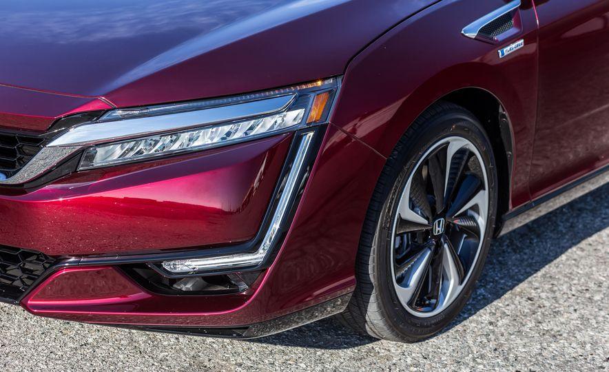 2017 Honda Clarity Fuel Cell - Slide 9