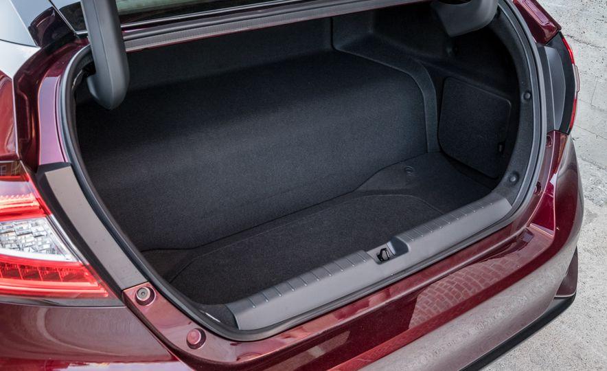 2017 Honda Clarity Fuel Cell - Slide 10