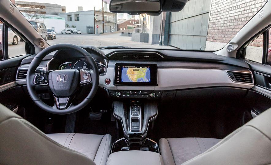 2017 Honda Clarity Fuel Cell - Slide 11