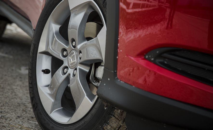 Honda Vezel Hybrid RS - Slide 12