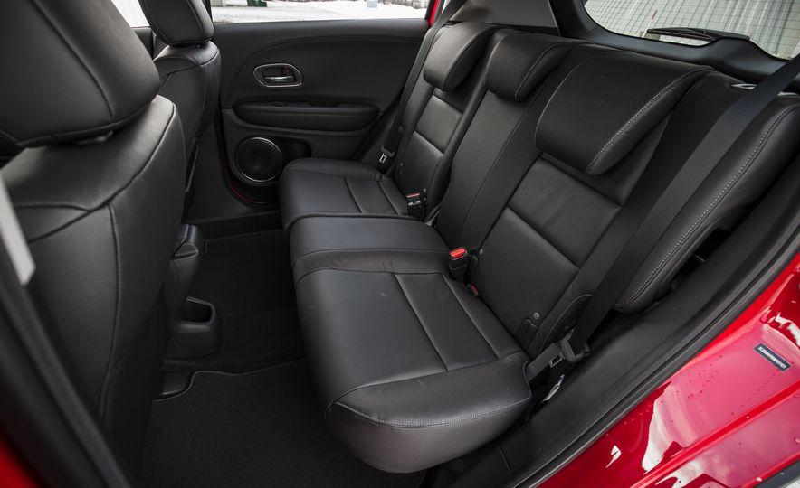 Honda Vezel Hybrid RS - Slide 21