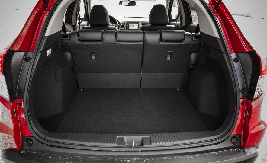 Honda Vezel Hybrid RS - Slide 22