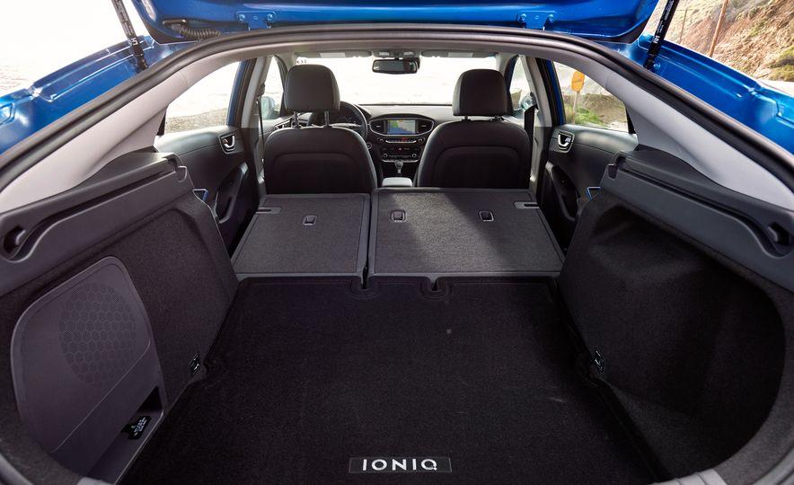 2017 Hyundai Ioniq hybrid - Slide 18
