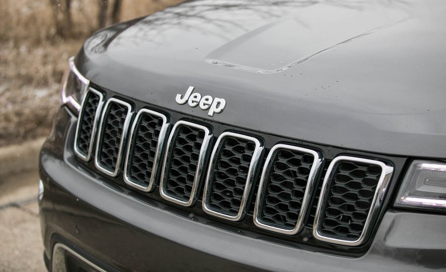 2017 Jeep Grand Cherokee - Slide 18