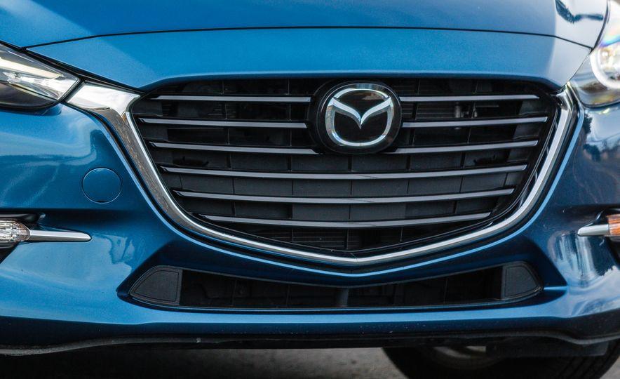 2017 Mazda 3 - Slide 18
